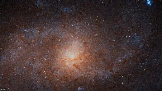 کهکشانی که ۴۰ میلیارد ستاره دارد