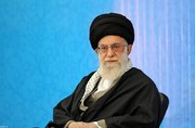 Iran Leader urges students to work toward independence