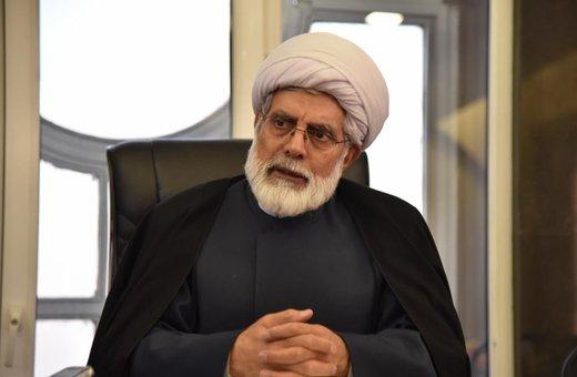وعده برخی مراجع برای گفتگو با رهبری درباره حصر موسوی و کروبی/کدام چهره اصولگرا رابط بین اصلاحطلبان و رهبری است؟