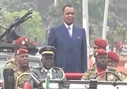 فیلم | روش عجیب بادیگاردها برای حفاظت از رئیس جمهور کنگو!