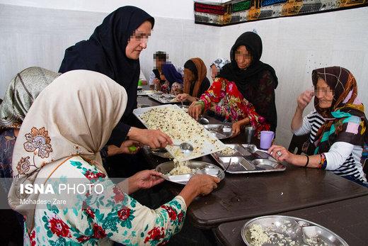 به گفته مسئول فنی کلینیکهای سوءمصرف مواد مخدر مشهد بیشتر زنان مراجعهکنندگان به این مرکز از شهر مشهد هستند در اغلب موارد حاشیهنشین بودهاند
