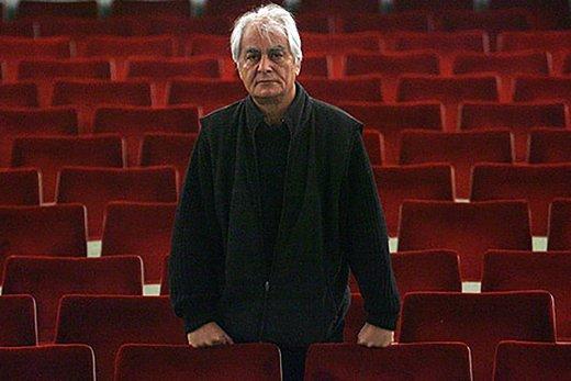 عکس | اسحاق جهانگیری روی صحنه نمایش «خانه برناردا آلبا»