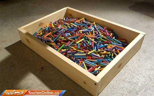 ساخت گیتار با یک هزار و 200 مداد رنگی