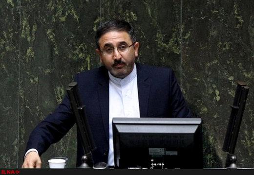 احمدیلاشکی نایب رئیس کمیسیون آموزش: در بودجه آموزشوپرورش «روغن ریخته را نذر امامزاده کردهاند»