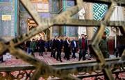 عکس | وزیر خارجه فرانسه در حرم حضرت علی(ع)