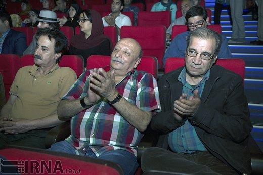 حسین محب اهری در مراسم اختتامیه هشتمین جشن اردیبهشت تئاتر ایران ، سال 1394 حضور دارد