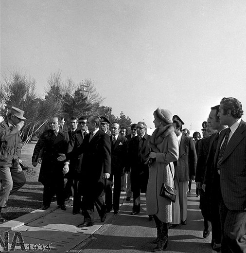 حرفهایی در باره روز فرار محمدرضاپهلوی در سال1357