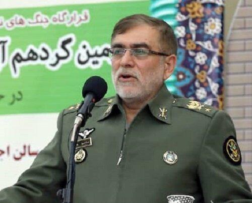 جانشین فرمانده کل ارتش: دشمن در فضای مجازی به دنبال غبارآلود کردن اوضاع کشور است