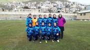 شکست همیاری برابر نماینده مریوان در لیگ برتر فوتبال بانوان / برف ورزشگاه بازی را تغییر داد