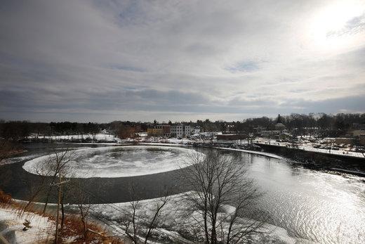 دایره یخی روی رود پریسامپسکات آمریکا