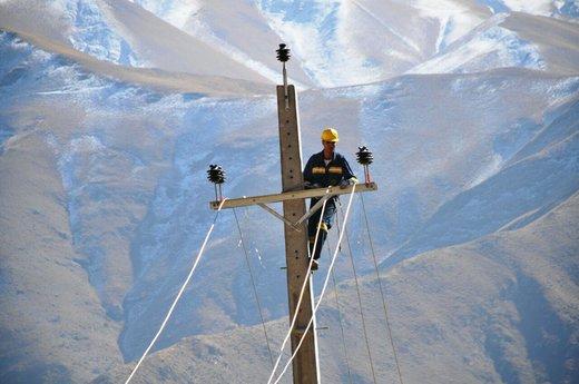 چند درصد جمعیت ایران به آب آشامیدنی و برق دسترسی دارند؟