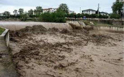 سد دز در خوزستان سرریز کرد؛ احتمال سیل در روستاهای بعد از سد