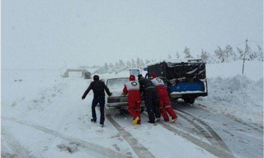 گرفتار شدن گردشگران در طوفان دزفول
