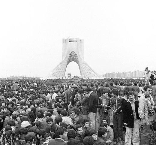 29 دی 1357؛ راهپیمایی میلیونی مردم در حمایت از حضرت امام خمینی (ره)