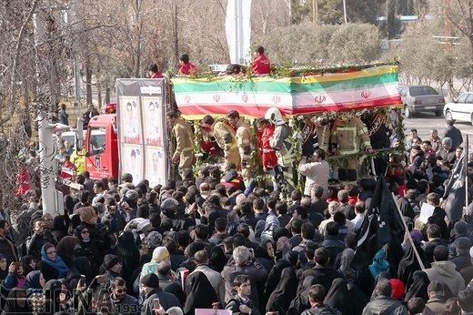 تشییع پیکر ۱۶ آتشنشان شهید حادثه پلاسکو