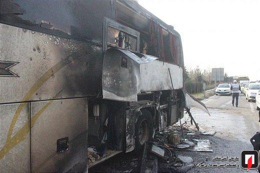 آتش سوزی اتوبوس مسافربر بین شهری در بزرگراه تهران - کرج