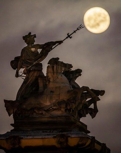 ماه گرفتگی در بریتانیا