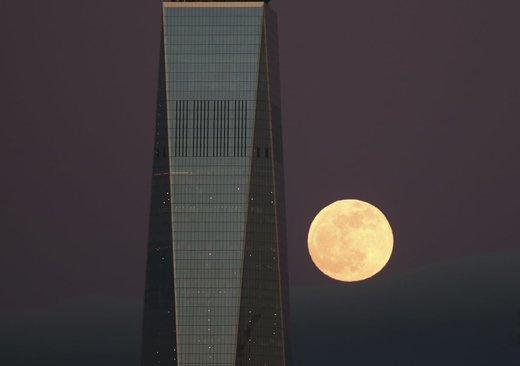 ابر ماه خونین در شهر نیویورک