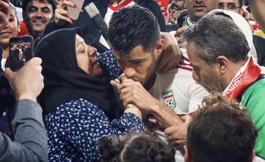 احساس پورعلیگنجی درباره لحظهای که مادرش را به آغوش کشید
