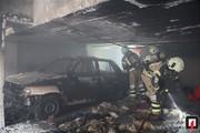 تصاویر | آتش گرفتن پراید در پارکینگ ساختمان مسکونی