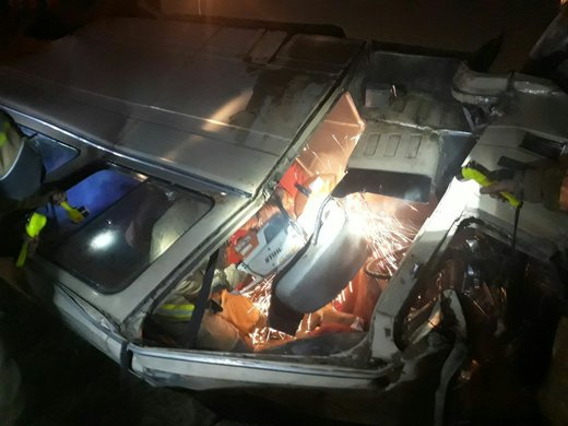 تصادف سمند با مینیبوس در اتوبان تهران - کرج