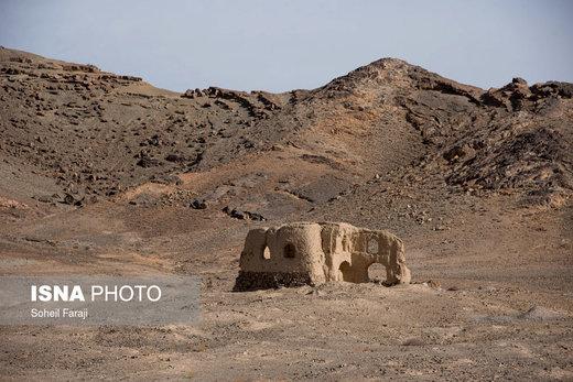 یکی از خانههای روستایی در اطراف بیرجند که تبدیل به ویرانه شده، ساکنان آن به دلیل خشکسالی مجبور به مهاجرت شدهاند