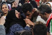 فیلمی که ایافسی از مرتضی پورعلیگنجی بعد از بوسیدن دست مادرش منتشر کرد