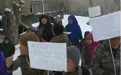 فیلم | تظاهرات کودکان کشمیر در اعتراض به دستگیری مرضیه هاشمی