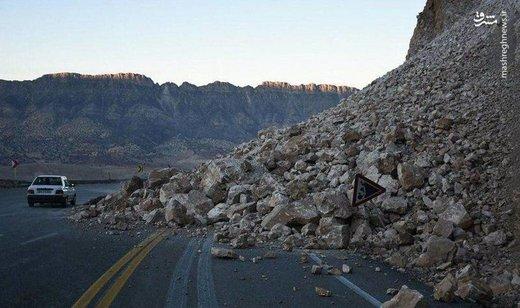 ریزش کوه در محور خوی-چالدران/ منازل روستایی در معرض خطر تخلیه شدند