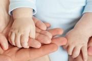 رسیدن به آرزوی داشتن بچه برای زوجهای نابارور چقدر آب میخورد؟