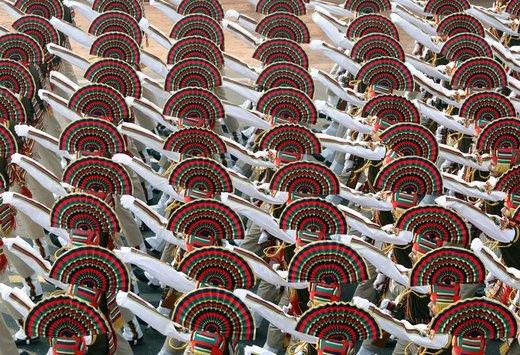 تمرین سربازان هندی برای مراسم رژه روز جمهوری در شهر دهلینو هند