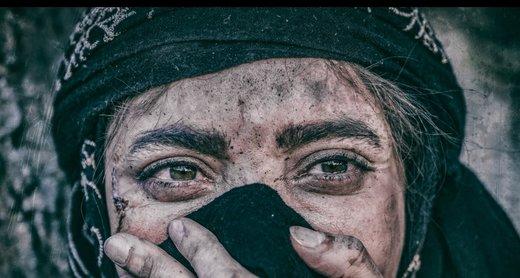 عکس | هستی مهدویفر و بهنوش طباطبایی روی فرش قرمز آخرین فیلم جشنواره