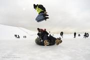 تصاویر | هیجان تیوبسواری در پیست اسکی آبعلی