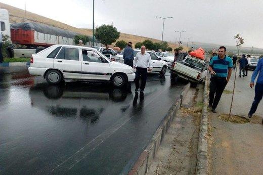 تصادف زنجیره ای بیش از ۳۰ خودرو در جاده اهر- تبریز