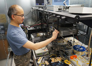 سرعت نور: پیش بهسوی آینده اینترنت کوانتوم