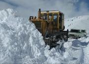 نجات ۲ زن باردار از برف و کولاک/ مسدود شدن راه ۲۲۱ روستا در آذربایجانغربی