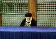 عکس | رهبر انقلاب در حال قرائت قرآن بر مزار آیتالله هاشمیرفسنجانی