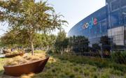 مسدود ساختن اپلیکیشنهای داخلی گوگل توسط اپل