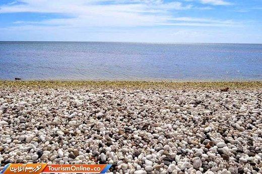 ساحل سنگ قلوه ای سفید –فیلیپین-