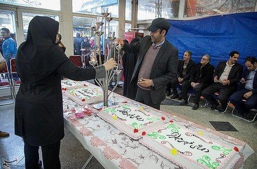 در این نمایشگاه شرکت کنندگانی از شهرهای کرمانشاه، اصفهان، قم، یزد، کرمان، شیراز و تبریز حضور دارند
