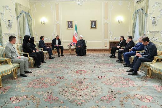 روحانی: پشتیبان دولت قانونی آقای مادورو هستیم