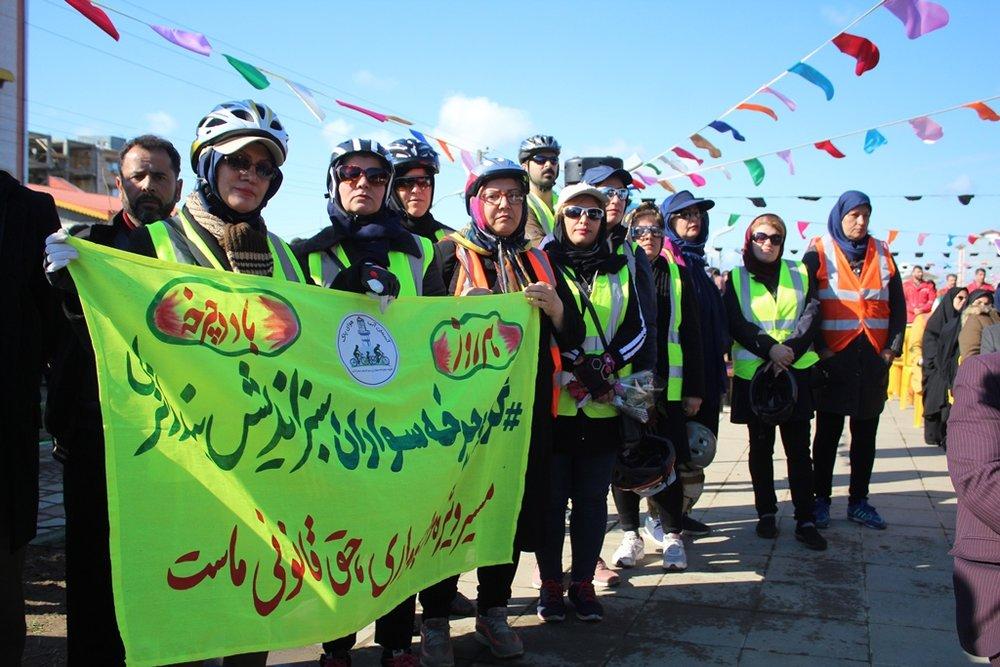 استاندار گیلان در جریان افتتاح پروژه های عمرانی دهه فجر شهرستان بندر انزلی