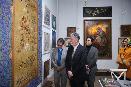 کالاهای هنری ایران برای بازار ۸ میلیاردی جهان/ صالحی از چهارسوی هنر بازدید کرد