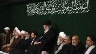 عکس   سردارها با کتوشلوار درحال عزاداری در حسینیه امام خمینی