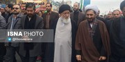 عکس   علم الهدی در راهپیمایی ۲۲ بهمن در مشهد