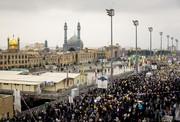 اتحاد و همدلی مردم در راهپیمایی ۲۲بهمن قم به نمایش درآمد/ همراهی علما و روحانیون با مردم
