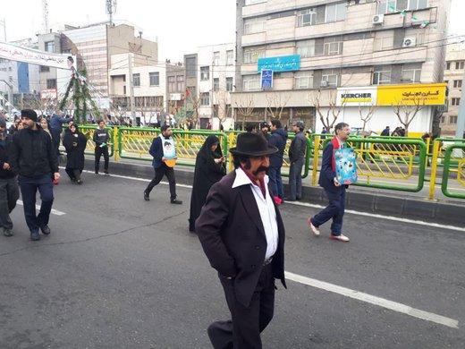 عکس/ لوتیها در راهپیمایی ۲۲ بهمن