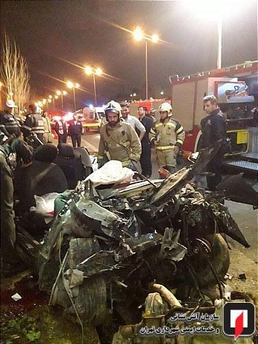 تصادف پژو 207 با دیواره پل یادگار امام(ره)