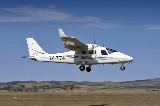 سقوط هواپیمای آموزشی در کاشمر