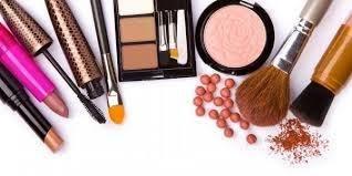 استفاده زیاد از مواد آرایشی چه پیامدهایی دارد؟